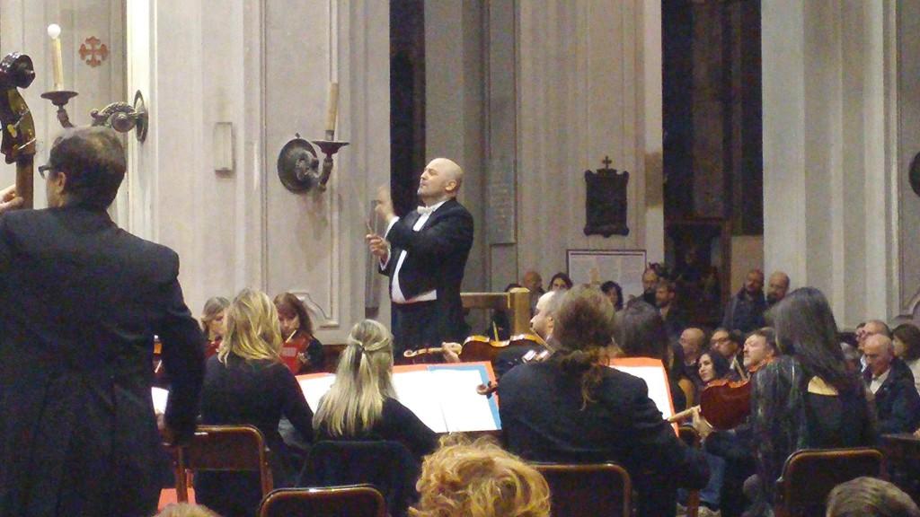 Aldo Bernardi dirige il Requiem di Mozart in San marco a Milano 16Ott2015