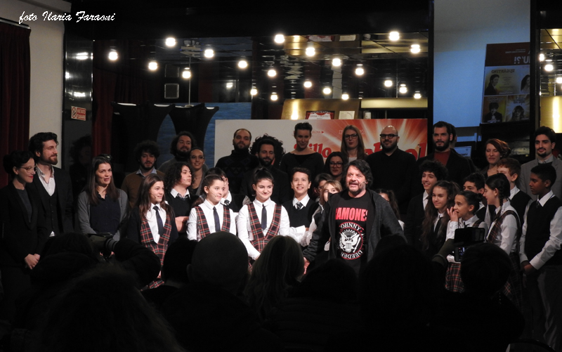 LILLO E I RAGAZZI DELL'ACCADEMIA IL SISTINA HANNO PRESENTATO SCHOOL OF ROCK ALLA STAMPA
