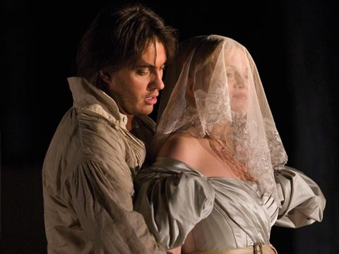 Erwin_Schrott-Figaro-Miah_Persson-Susanna-Opera-Le_Nozze_di_Figaro-2006-The_Royal_Opera_House-ROH-Wolfgang_Amadeus_Mozart-McVicar-Antonio_Pappano-Opera_in_streaming-Streamopera