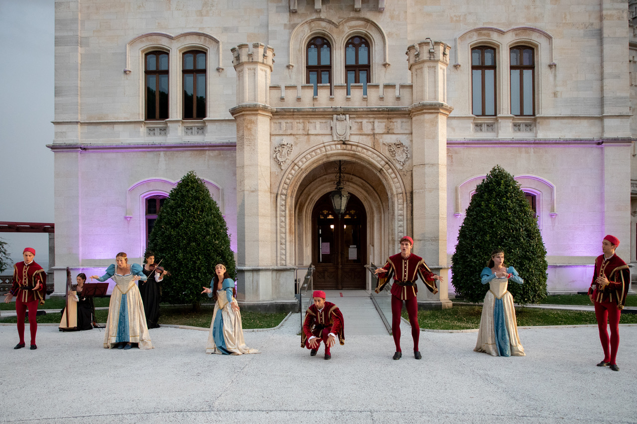 REVIEW – SHAKESPEARE IN THE PARK