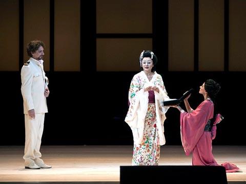 Opera-Madama_Butterfly-2014-Teatro_Carlo_Felice_Genova-Giacomo_Puccini-Daniela_Dessi-Fabio_Armiliato-Pinkerton-Valerio_Galli-Opera_streaming-VOD-Streamopera