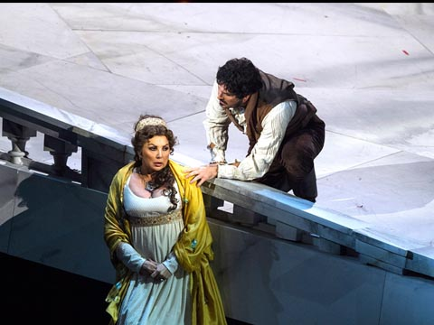 Opera-Tosca-2014-Teatro_Carlo_Felice_Genova-TCFG-Giacomo_Puccini-Maria_Guleghina-Mario_Cavaradossi-Roberto_Aronica-Davide_Livermore-Stefano_Ranzani-Opera_in_streaming-VOD-Streamopera