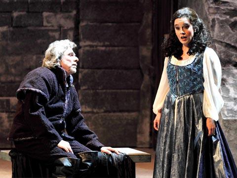 Stefano_Antonucci-Gabriella_Costa-Gilda-Opera-Rigoletto-2013-Teatro_Carlo_Felice_Genova-TCFG-Giuseppe_Verdi-Rolando_Panerai-Carlo_Rizzari-Opera_in_streaming-VOD-Streamopera